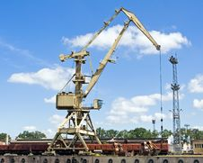 Free Crane At Loading Dock Over Blye Sky Stock Photo - 15008370