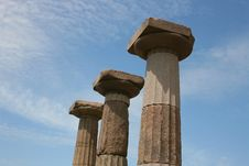 Free Ancient Columns Royalty Free Stock Photo - 15009015