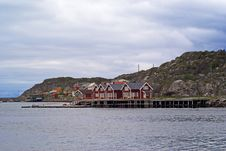 Free Village On Norwegian Lofoten Islands Royalty Free Stock Images - 15009049