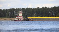 Free Push Boat & Barge. Royalty Free Stock Photo - 15010135