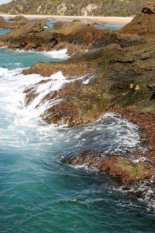 Free Waves Crashing On The Rocks Stock Photos - 15010183