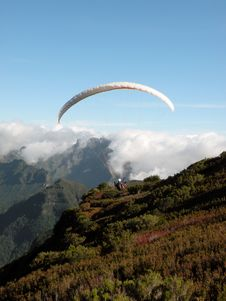 Free Parachuter In Madeira Island Stock Photography - 15015182