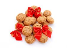 Free Macaroons And Red Velvet Bows Royalty Free Stock Images - 15018069