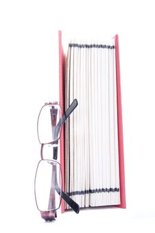 Free Red Open Book And Eyeglasses Royalty Free Stock Photo - 15019445