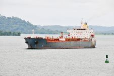 Free Cargo Ship In The Panama Channel Royalty Free Stock Photo - 15022895