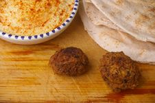 Free Hummus Dip With Falafel Stock Image - 15028791