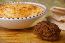 Free Hummus Dip With Falafel Stock Images - 15028884