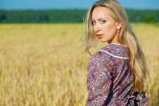 Free Girl In The Wheat Field Stock Photography - 15029512