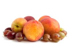Free Ripe, Juicy Peach And Gooseberry Royalty Free Stock Photo - 15031215