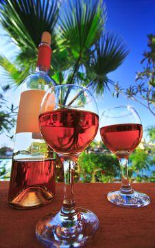 Free Two Wineglasses Royalty Free Stock Photo - 15032295