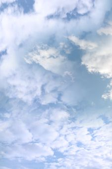Free Blue Cloudy Sky Stock Photo - 15034650