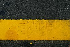 Free Yellow Line In Car Park Royalty Free Stock Photos - 15041268