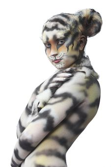 Free White Tigress Royalty Free Stock Photos - 15041898