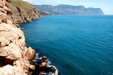Free Coast Near Balaclva, Crimea Stock Photo - 15045010