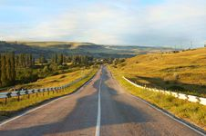 Free Mountain Road At Daybreak Stock Photo - 15046210