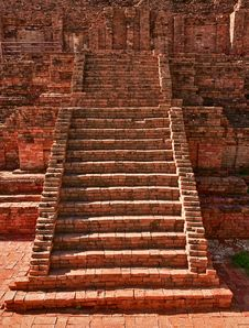 Free Ruined Old Stairs Royalty Free Stock Image - 15046756