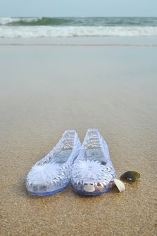 Free Child S Sandals Royalty Free Stock Images - 15048159