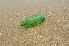 Free Green Bottle Stock Photography - 15049082