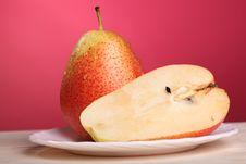 Free Fresh Pear Royalty Free Stock Photos - 15056908