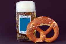 Free Pretzels And Beer Stock Photo - 15057990