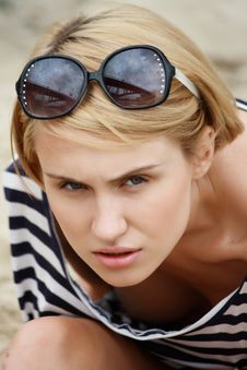 Beautiful Blonde In Spectacles Royalty Free Stock Photo