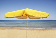 Free Umbrella On  A  Beach Stock Photography - 15059092