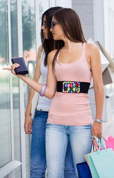 Free Beautiful Women At A Shopping Center Stock Photography - 15059852