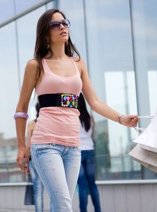 Free Beautiful Women At A Shopping Center Stock Images - 15059964