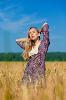 Free Beauty Girl In The Wheat Field Stock Photo - 15060430