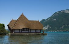 Free Summer House On The Lake Royalty Free Stock Image - 15061436