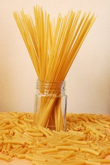 Free Spaghetti And Macaroni Royalty Free Stock Images - 15062289