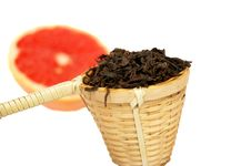Free Loose Black Tea In A Wattled Basket Royalty Free Stock Photo - 15062965