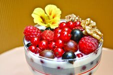 Free Healthy Berries For Breakfast Stock Image - 15066641