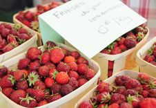 Free Strawberries In Cases Stock Photography - 15067612