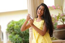 Free Girl With Mobile Phone Royalty Free Stock Images - 15069869