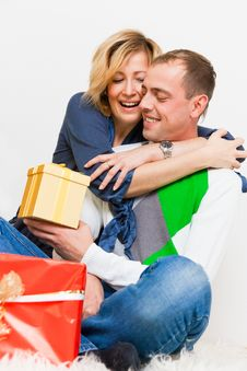 Free Gifts Couple Royalty Free Stock Photography - 15070627