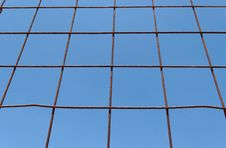 Free Converging View Of Rusty Lattice On Sky Background Stock Photography - 15071002