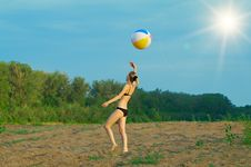 Free Young Girl Playing With A Ball Stock Image - 15071111