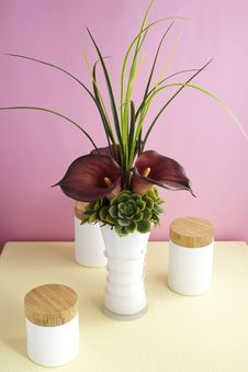 Free Decorative Artificial Flowers Royalty Free Stock Image - 15076996