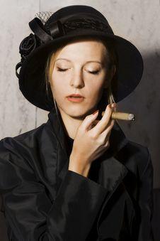 Free Girl Smoking Cigarre Royalty Free Stock Images - 15080109