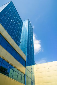 Free New Business Center On The Background Of Blue Sky Royalty Free Stock Photo - 15082365