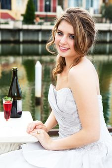 Free Young Woman In An Evening Gown By The Water Stock Photography - 15082522