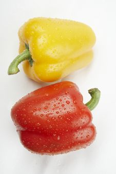 Free Ripe Yellow And Red Paprika Royalty Free Stock Photo - 15083405