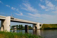 Free Concrete Bridge Royalty Free Stock Photos - 15088738