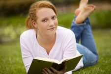 Free Woman Reading Royalty Free Stock Photo - 15089255