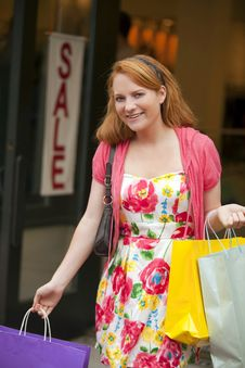Free Woman Shopping Royalty Free Stock Photography - 15089317