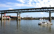 Free Elevated Freeway & Boat, Portland OR. Stock Photos - 15091443