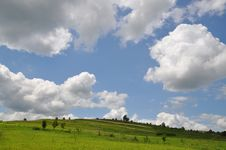 Free Summer Hill Under Clouds. Stock Photo - 15096450