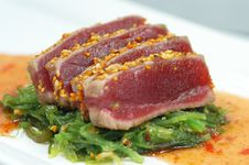 Free Tuna With Sesame Seeds & Green Onions Royalty Free Stock Image - 15096966