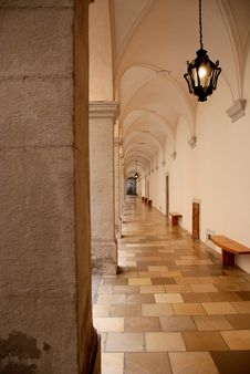 Free Vaulted Hallway Stock Photography - 15099792